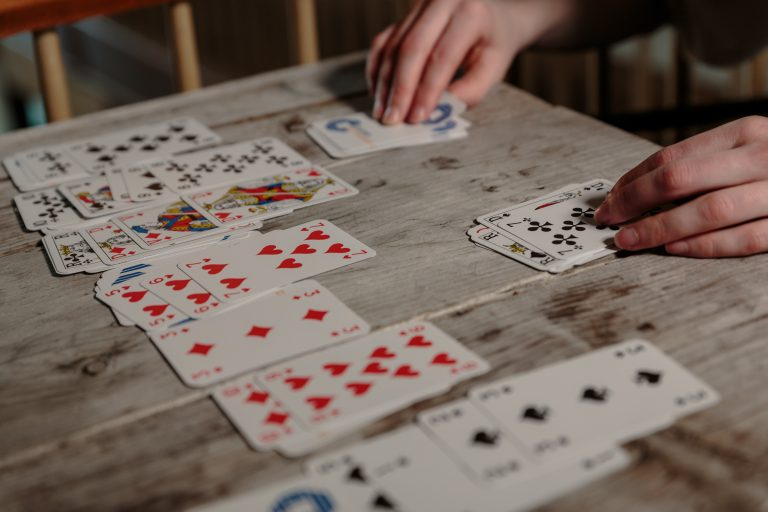 Cartamundi kártyázás