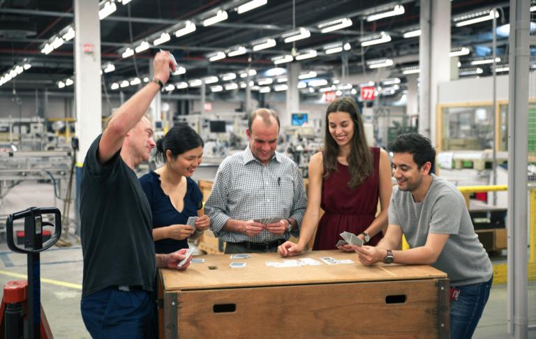 gyár Kártyázás